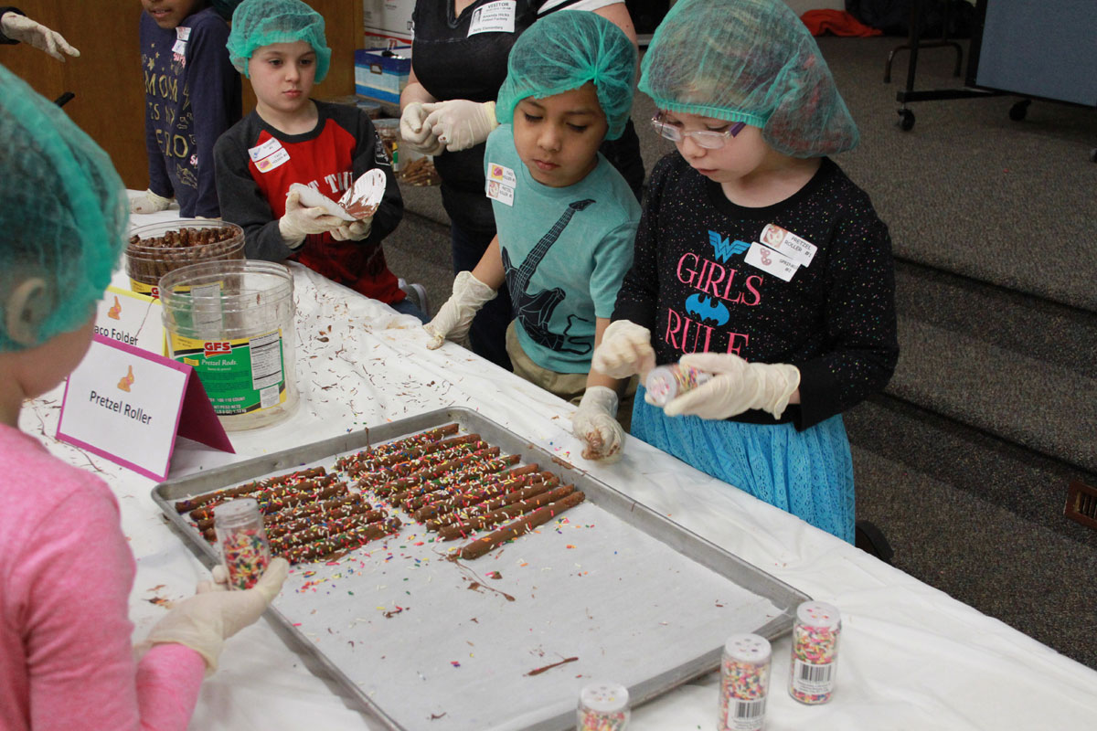 Bailly Elementary Second Grade Students Raise Funds for United Way Reading Buddies Program
