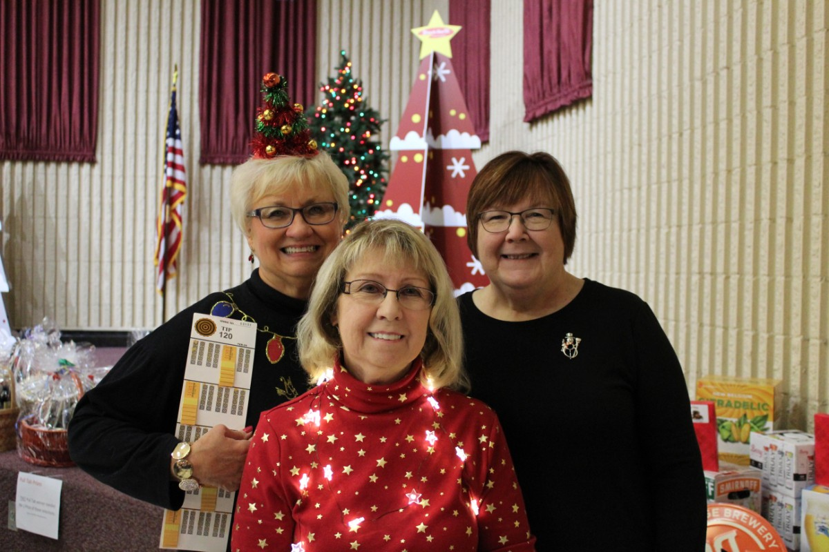 Strack and Van Til Thanks Vendors for Stocking our Shelves at Annual Vendor Christmas Party