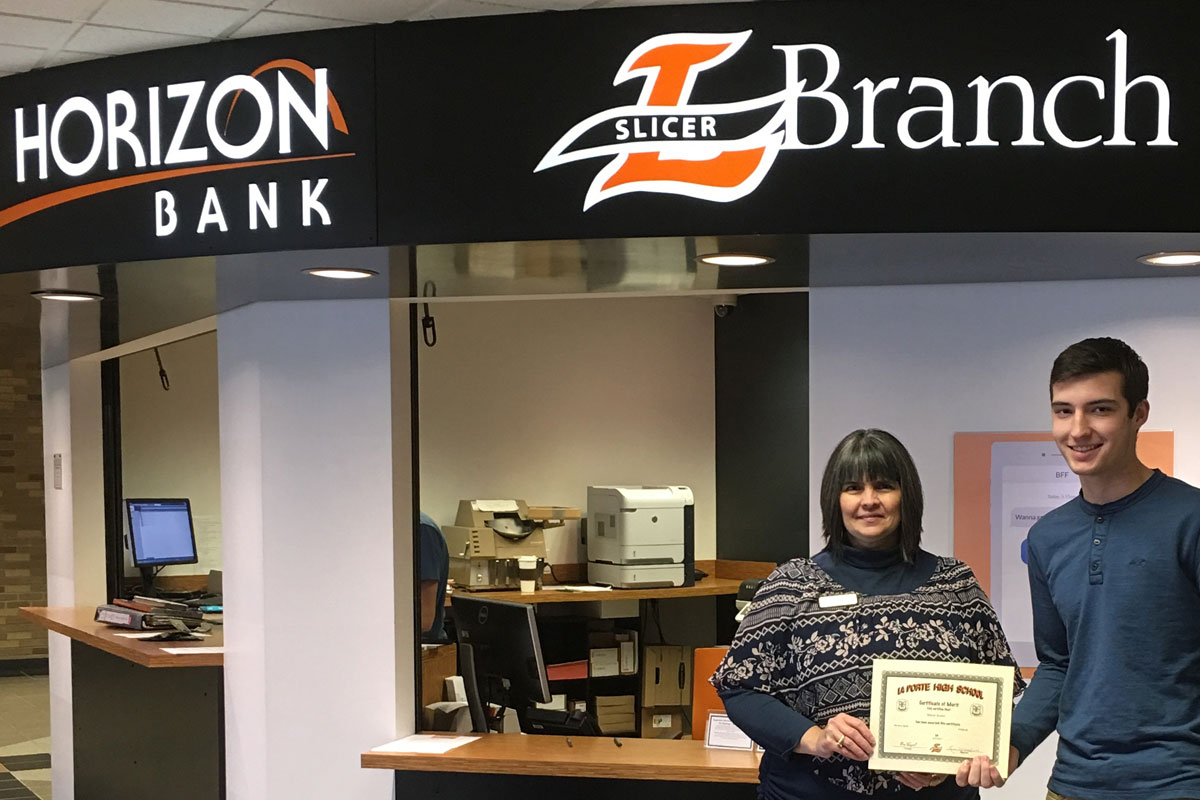 Horizon Bank Slicer Branch Scholarship Awarded to Mason Kosior