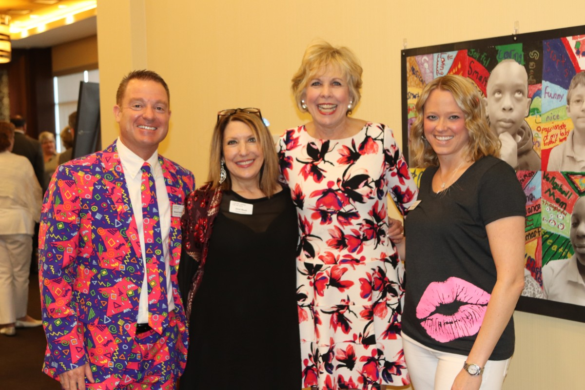 "Lubeznik Center's ArtBash 2018 Adds A Splash of Color to Blue Chip With ""GLOW"" Benefit"